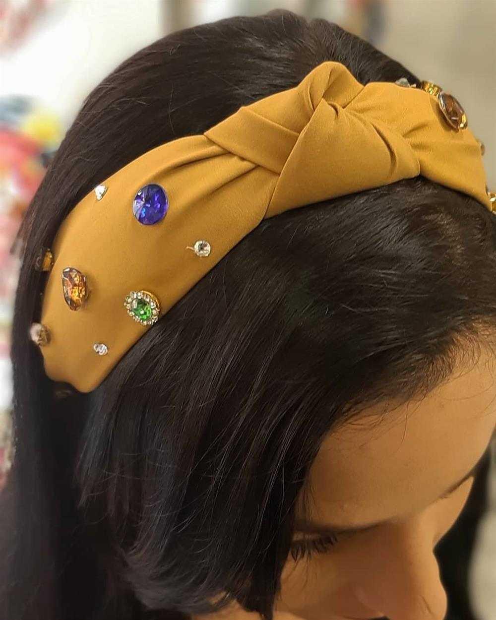 tiara turbante com pedraria