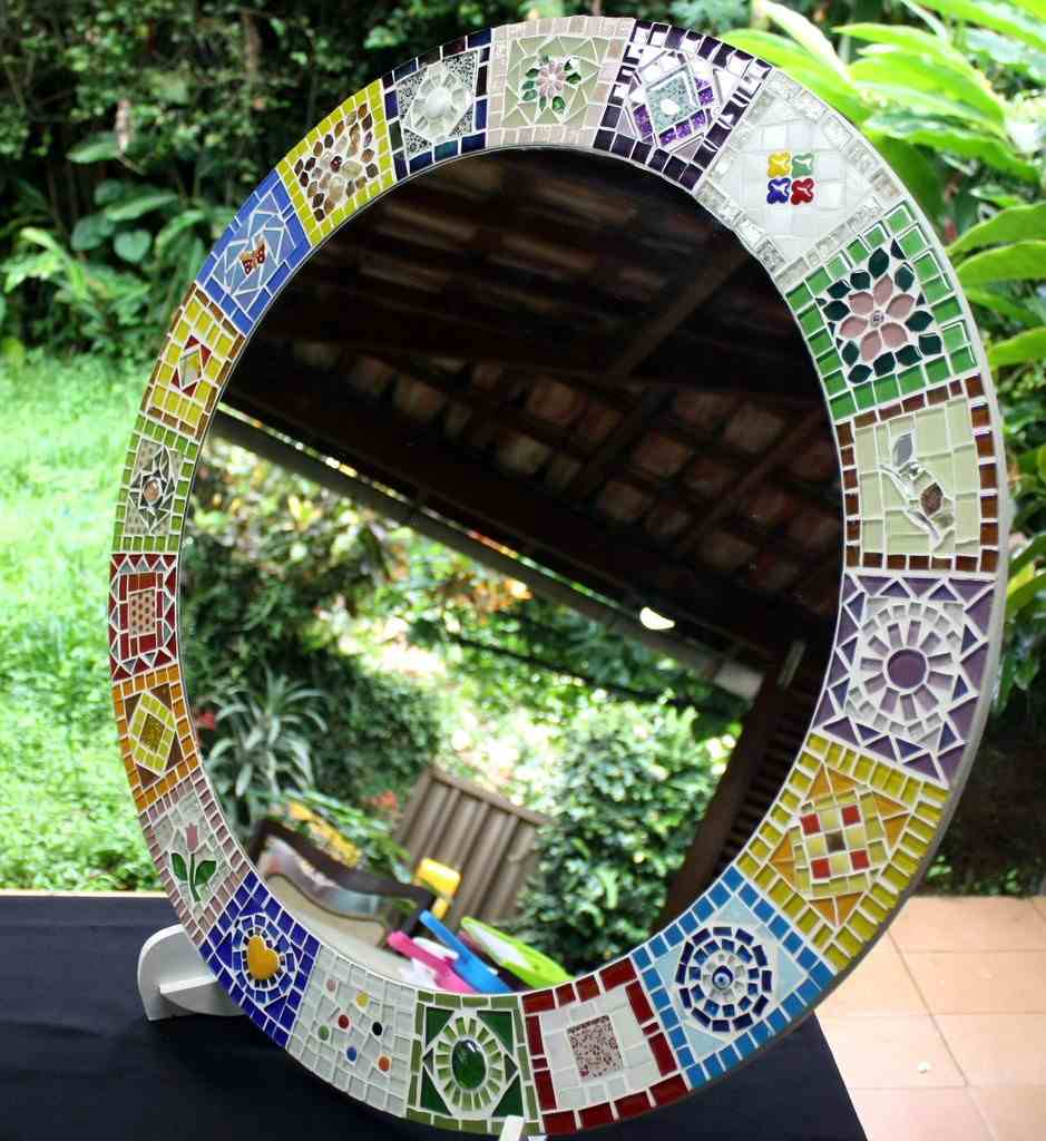 moldura de espelho de mosaico