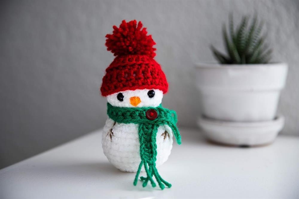 mini boneco de neve de croche