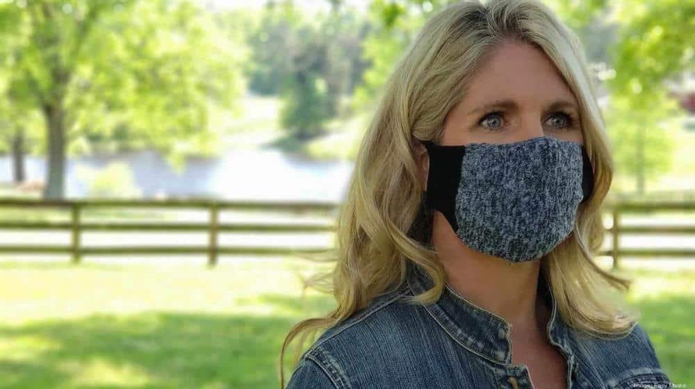 como fazer mascara com meia de algodão