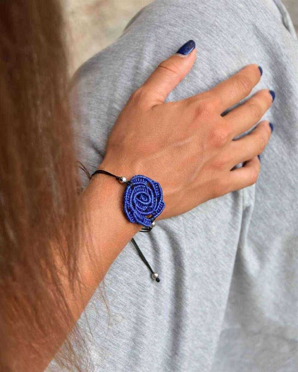 pulseira artesanal com flor
