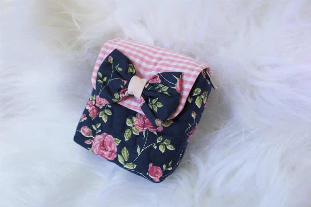 bolsa porta absorvente com laço