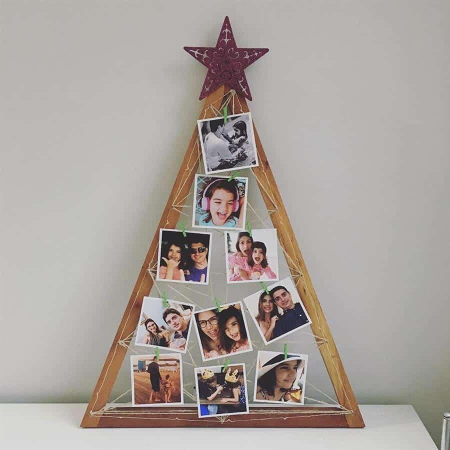 arvore de natal de madeira com fotos