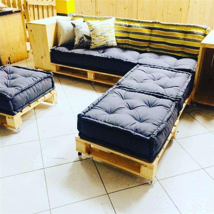 cadeiras e bancos de paletes