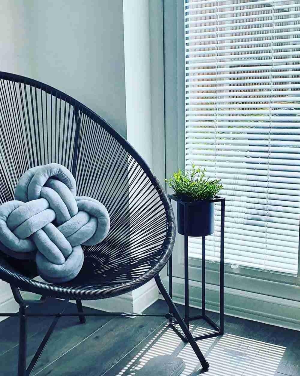 decoração clean com almofadas