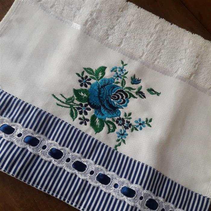 toalhas rosto bordadas