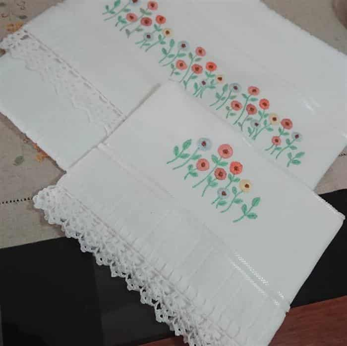 toalhas de banho bordadas