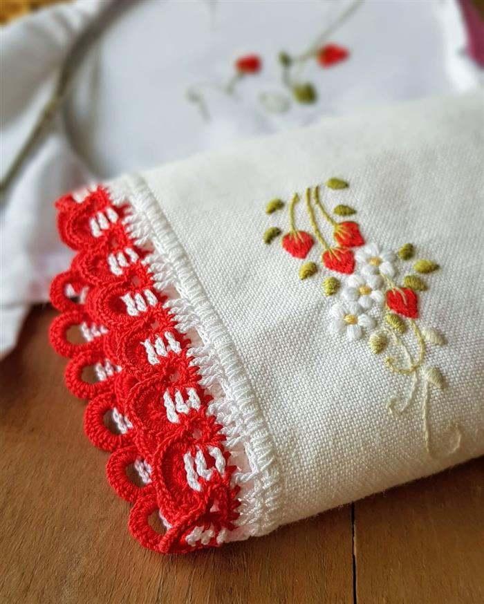 bico de croche com bordado de linha