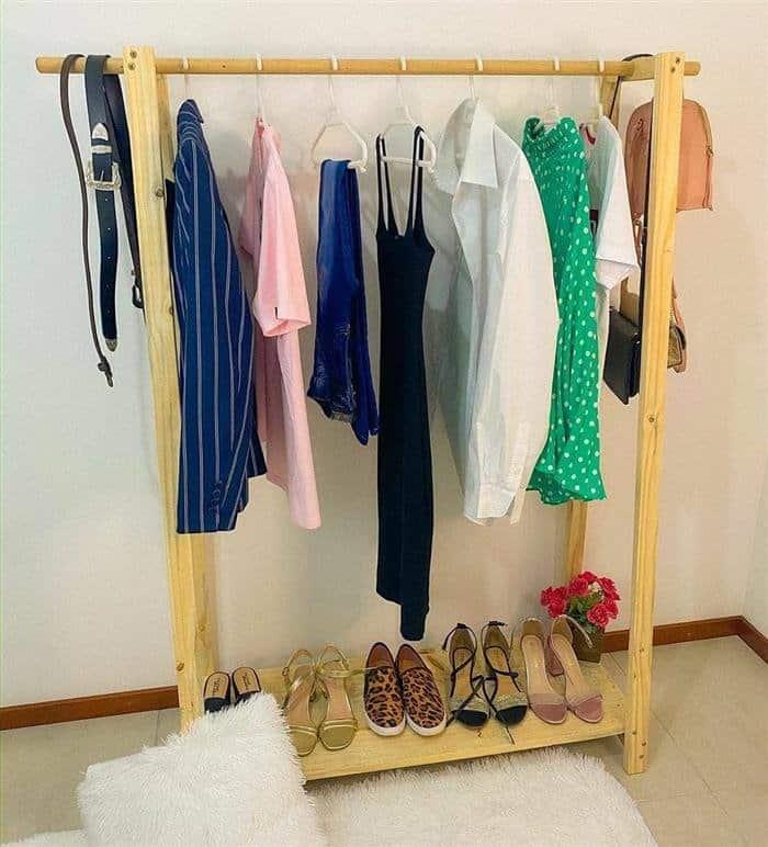 arara de roupas madeira