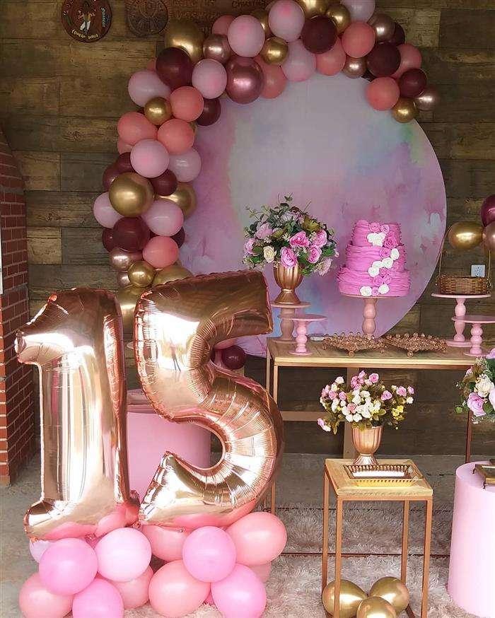 decoração com balão 15 anos