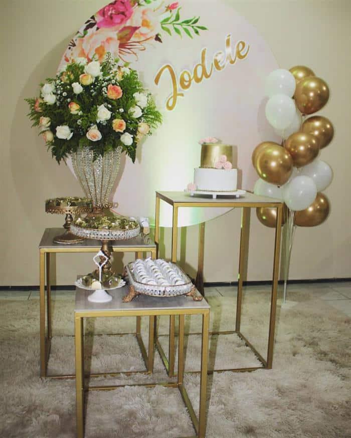 decoração de festa simples e barata