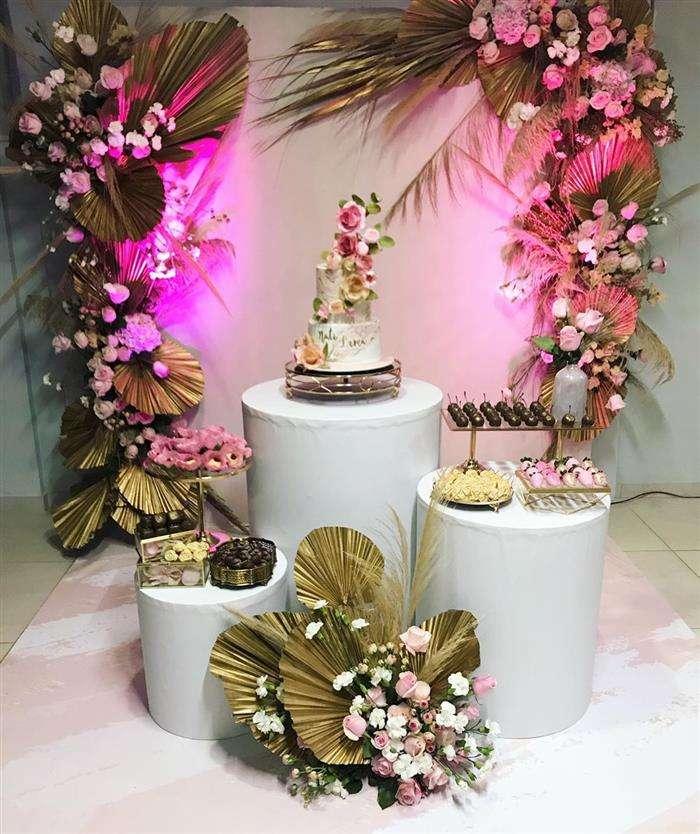 decoração festa rosa e dourado