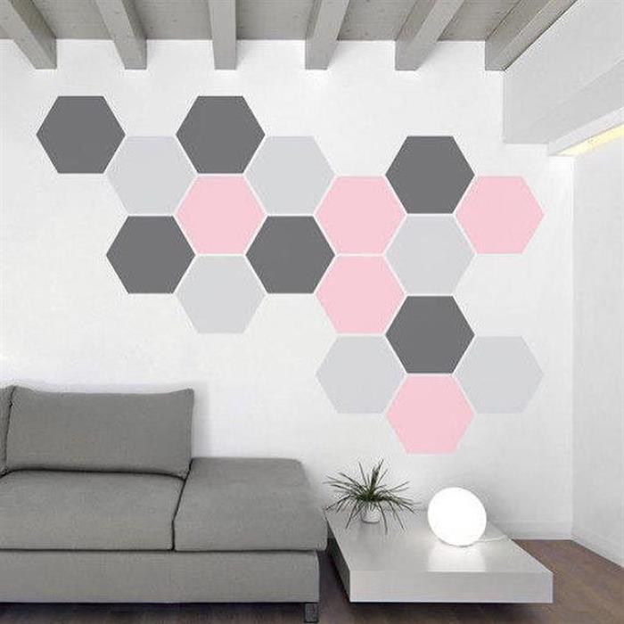 parede pintada com fita com rosa