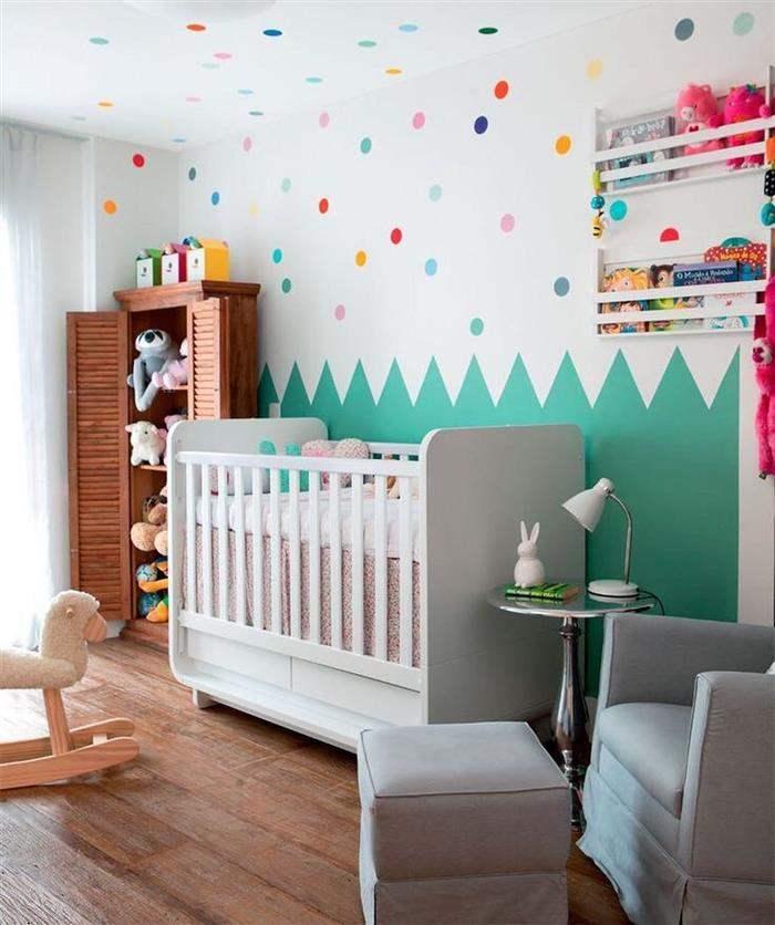 parede pintada com fita quarto infantil