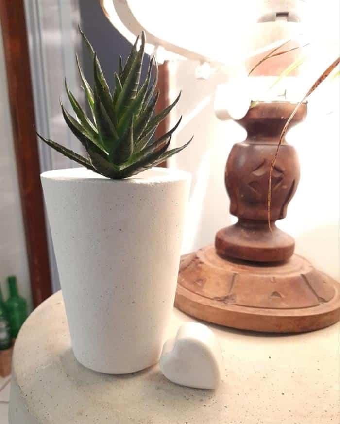 vasos de cimento branco