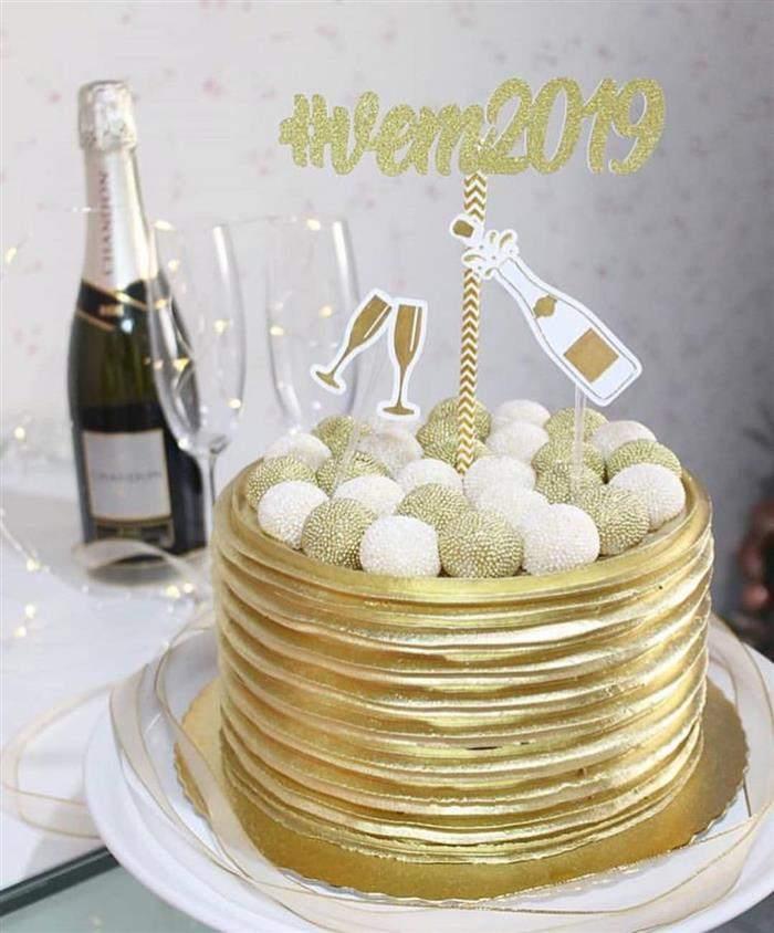 decoração de bolo para o ano novo