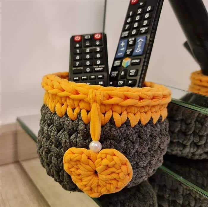 cachepot de croche com duas cores