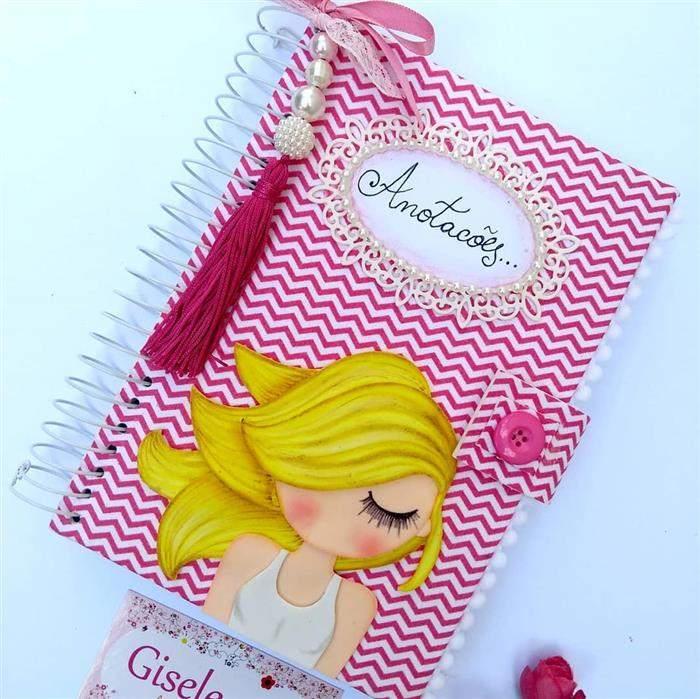capa de caderno personalizada para anotações