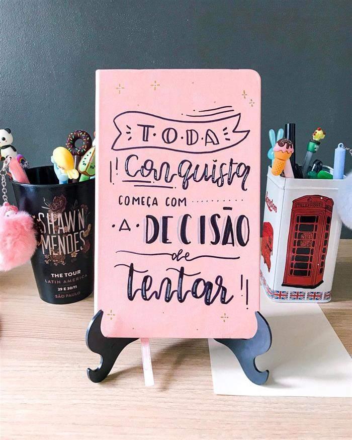 capa de caderno personalizado a mão