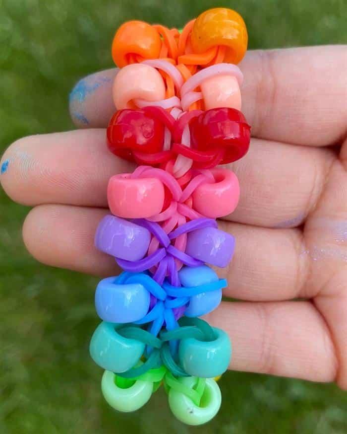 pulseira de elastico com miçangas