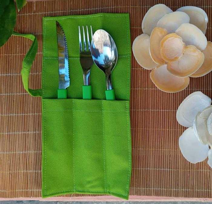 Porta talher de tecido verde